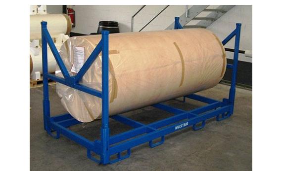 Klappbares Lagergestell für breite Papierrollen mit Tragrohraufnahmen